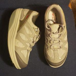 MBT Anti Shoe